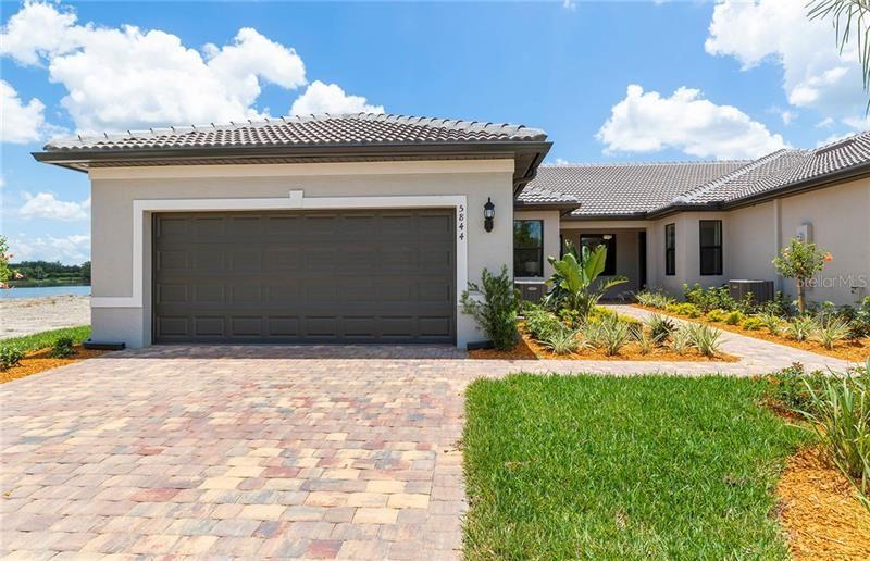 Photo of 13919 VADINI STREET, VENICE, FL 34293 (MLS # T3277426)