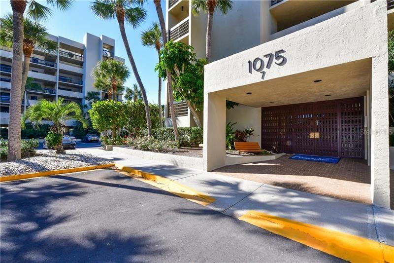 Photo of 1075 GULF OF MEXICO DRIVE #303, LONGBOAT KEY, FL 34228 (MLS # A4456432)
