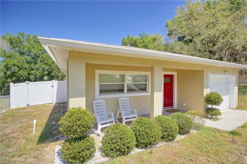 Photo of 570 E MONTROSE STREET, CLERMONT, FL 34711 (MLS # O5855433)