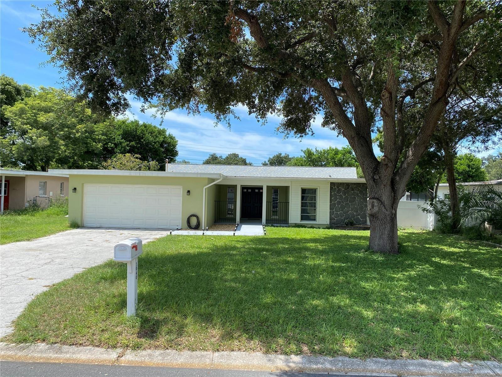 1040 BRITTON STREET, Largo, FL 33770 - #: U8135433