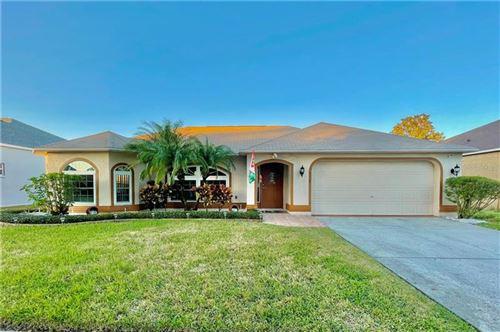 Photo of 4112 AMBER RIDGE LANE, VALRICO, FL 33594 (MLS # T3281436)