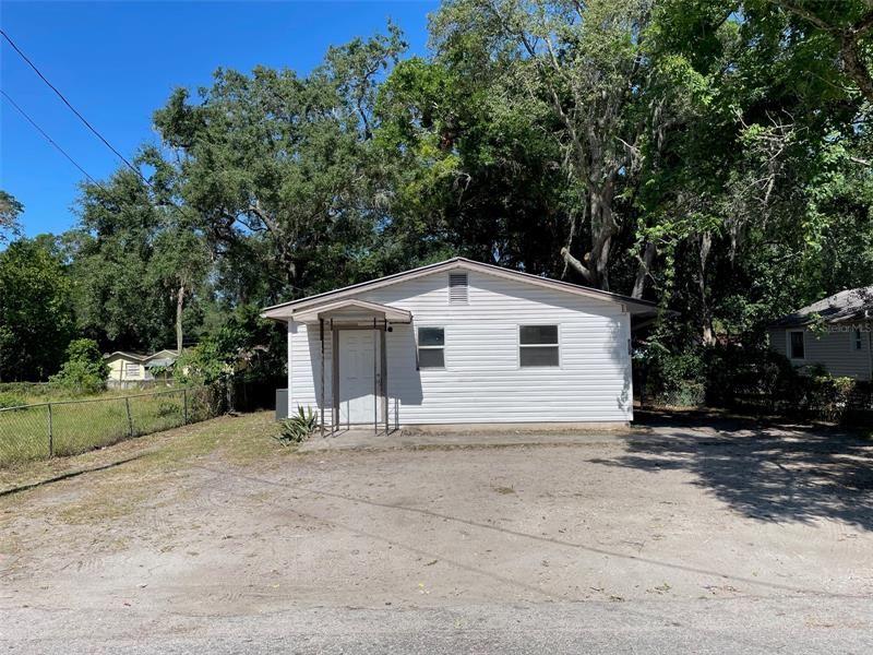 8208 N MARKS STREET, Tampa, FL 33604 - MLS#: T3305436