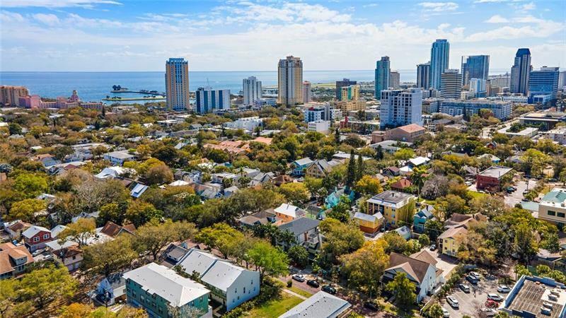 310 8TH AVENUE N, Saint Petersburg, FL 33701 - #: U8114436
