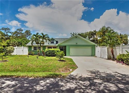 Photo of 150 BAHAMA ROAD, VENICE, FL 34293 (MLS # N6111438)