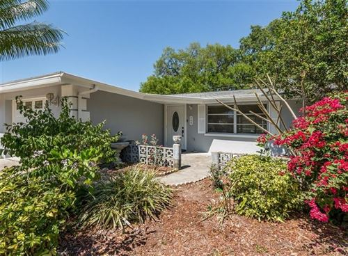 Photo of 360 FOXGLOVE ROAD, VENICE, FL 34293 (MLS # N6110441)