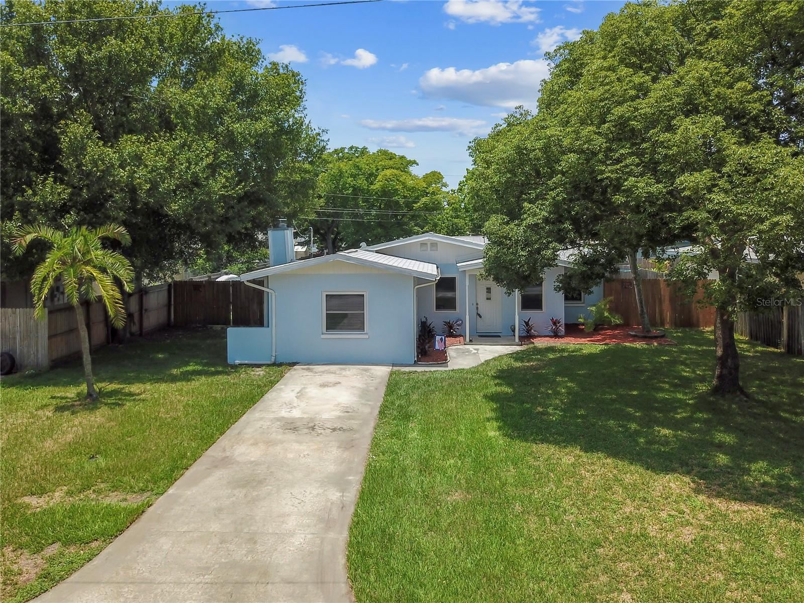 Photo of 1754 SAINT ANTHONY DRIVE, CLEARWATER, FL 33759 (MLS # T3314441)