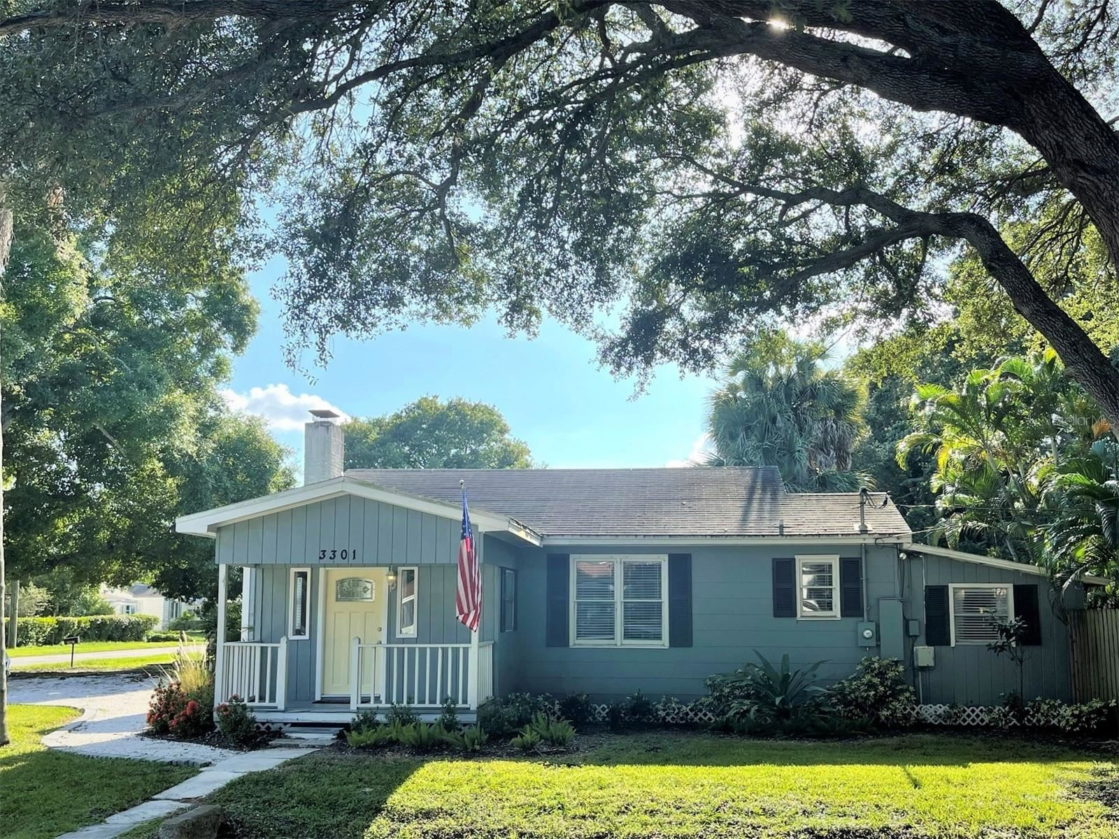 Photo of 3301 W MARLIN AVENUE, TAMPA, FL 33611 (MLS # T3321442)