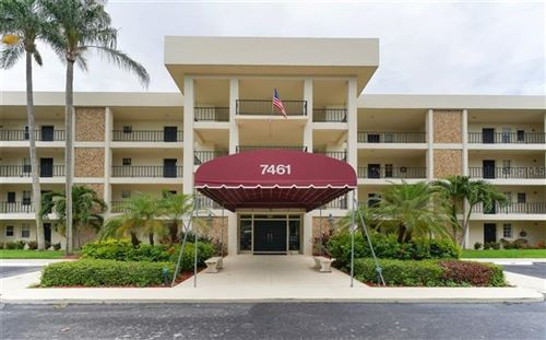 Photo of 7461 W COUNTRY CLUB DRIVE N #401, SARASOTA, FL 34243 (MLS # A4472444)