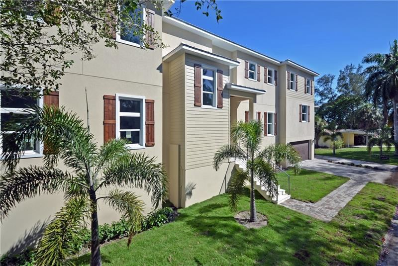 Photo of 798 JUNGLE QUEEN WAY, LONGBOAT KEY, FL 34228 (MLS # A4438448)