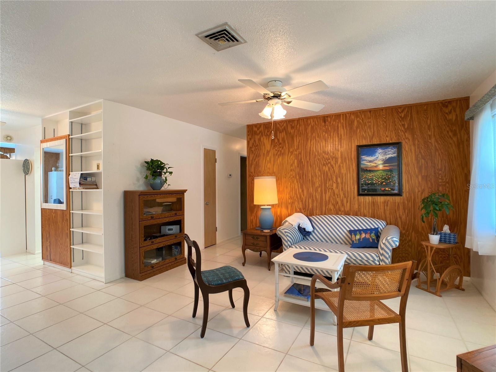 Photo of 212 BEACH MANOR TERRACE #8, VENICE, FL 34285 (MLS # N6116450)