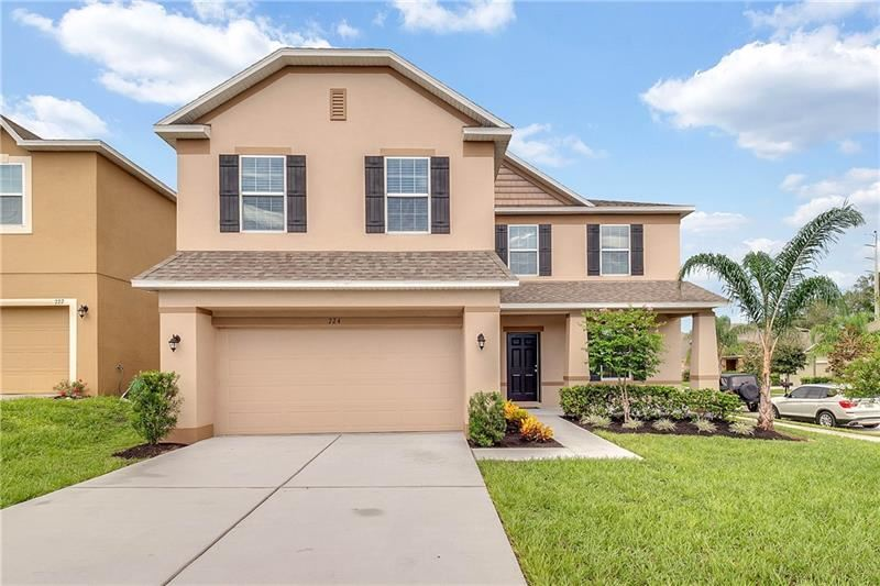Photo for 724 PATACHES PLACE, GROVELAND, FL 34736 (MLS # O5804451)