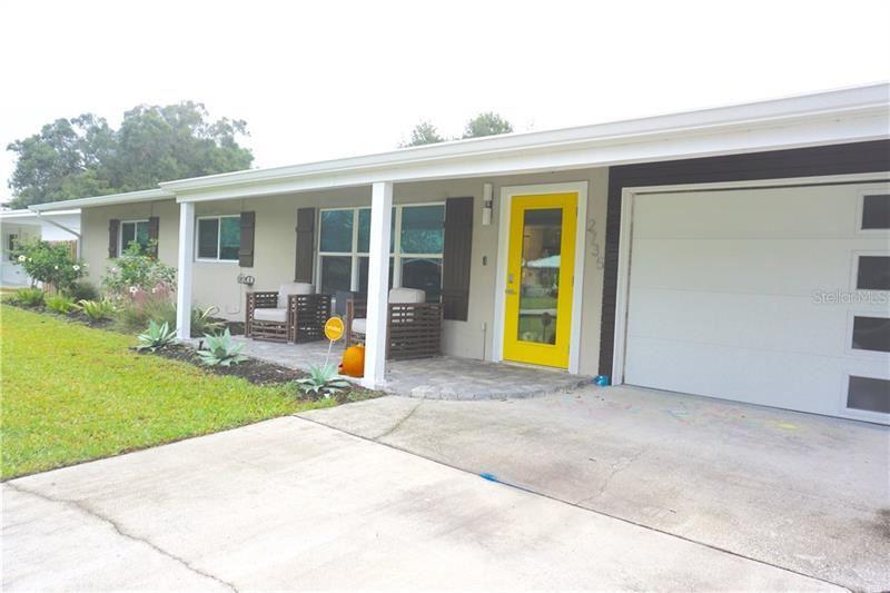 Photo of 2735 GROVE PLACE, SARASOTA, FL 34239 (MLS # A4484455)