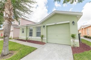 Photo of 289 EARLMONT PLACE, DAVENPORT, FL 33896 (MLS # L4911456)