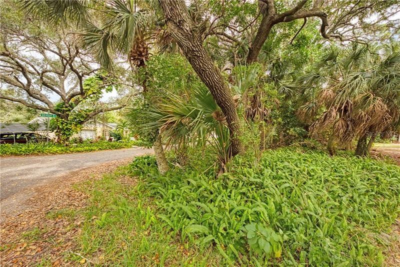 Photo of DRAGON ROAD, VENICE, FL 34293 (MLS # D6115460)
