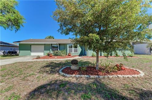 Photo of 1011 SOUTHERN PINE LANE, SARASOTA, FL 34243 (MLS # A4460461)
