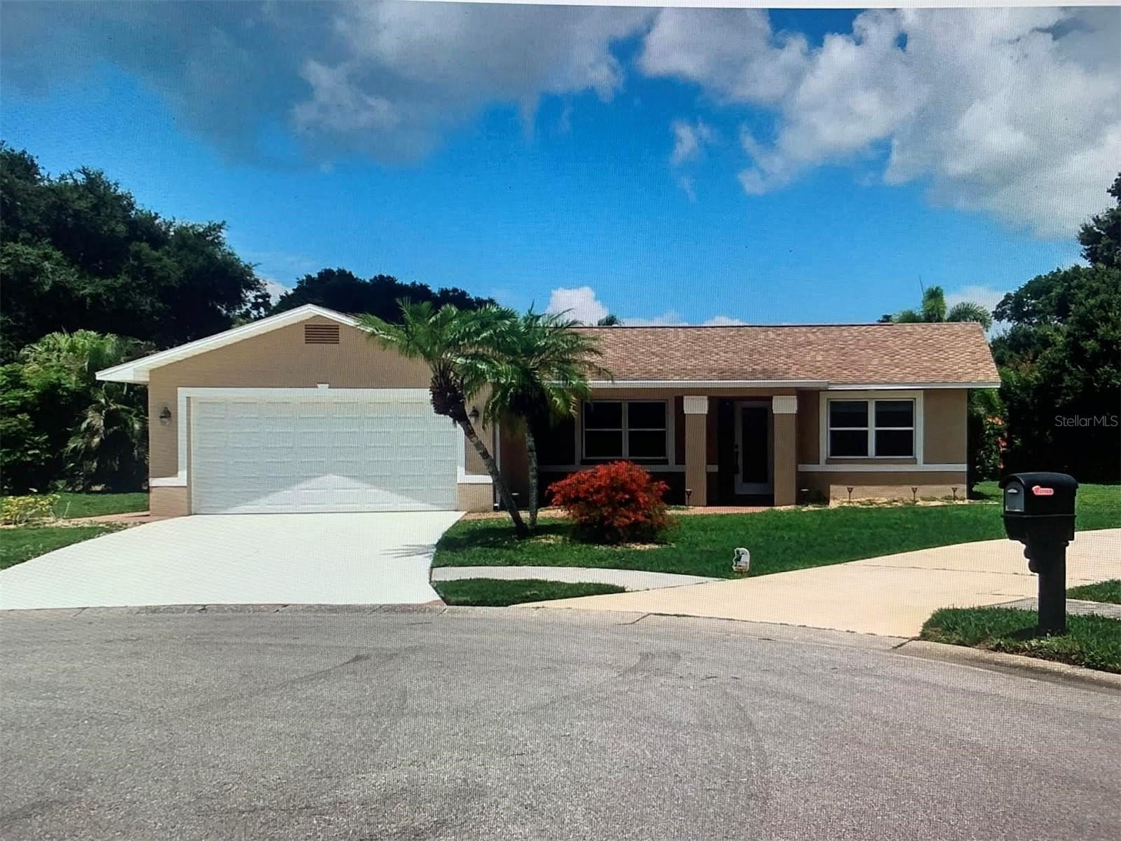 Photo of 1436 STRADA D ARGENTO, VENICE, FL 34292 (MLS # N6116464)