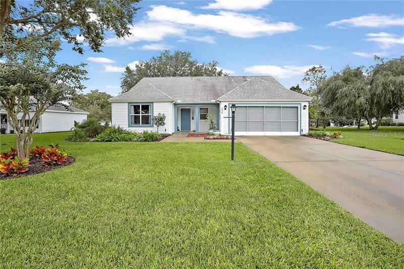 936 RAMOS DRIVE, The Villages, FL 32159 - #: OM611469