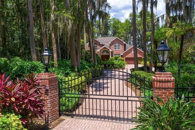 3165 LAKE ELLEN DRIVE, Tampa, FL 33618 - MLS#: T3258473