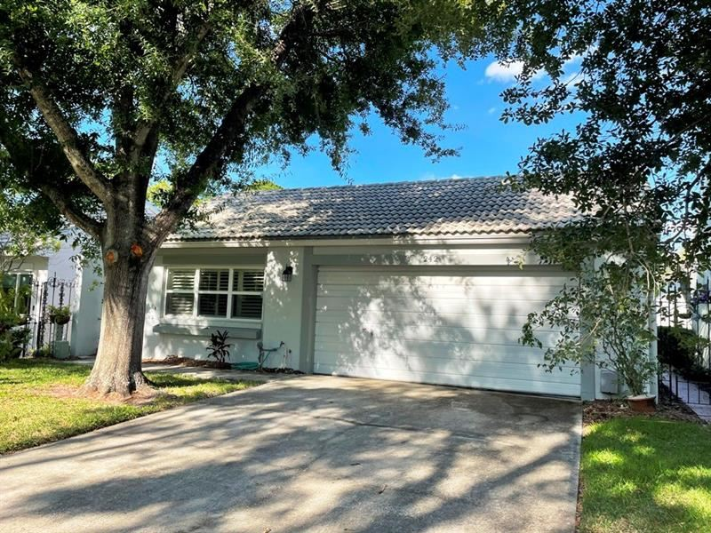 242 ROSA BLANCA, Winter Haven, FL 33884 - MLS#: T3306473