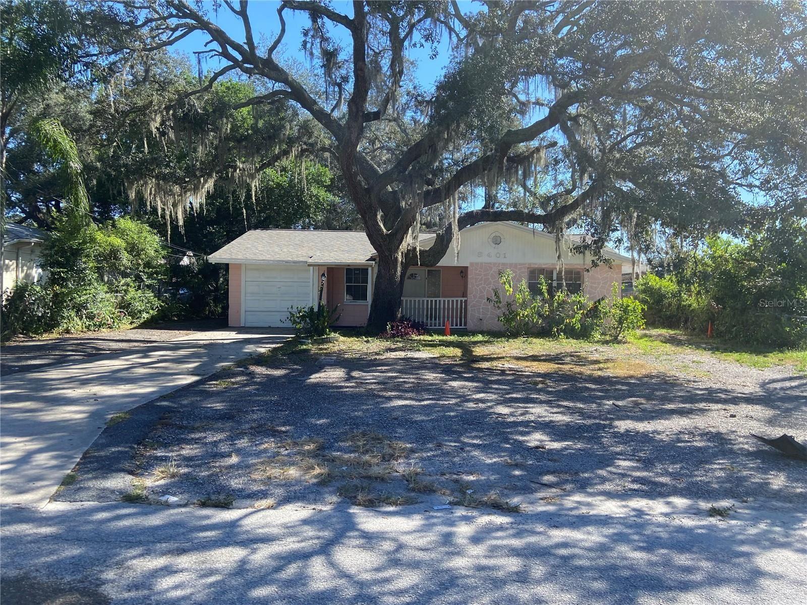 8401 N NEWPORT AVENUE, Tampa, FL 33604 - MLS#: T3296474