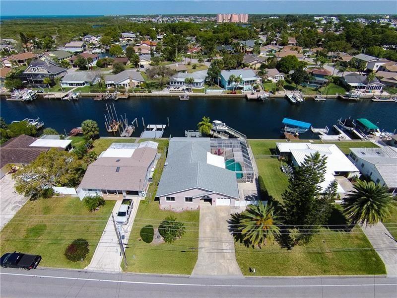 4201 FLORAMAR TERRACE, New Port Richey, FL 34652 - #: U8077486
