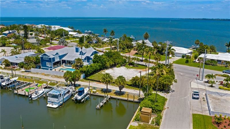 Photo of 626 KEY ROYALE DRIVE, HOLMES BEACH, FL 34217 (MLS # A4467493)