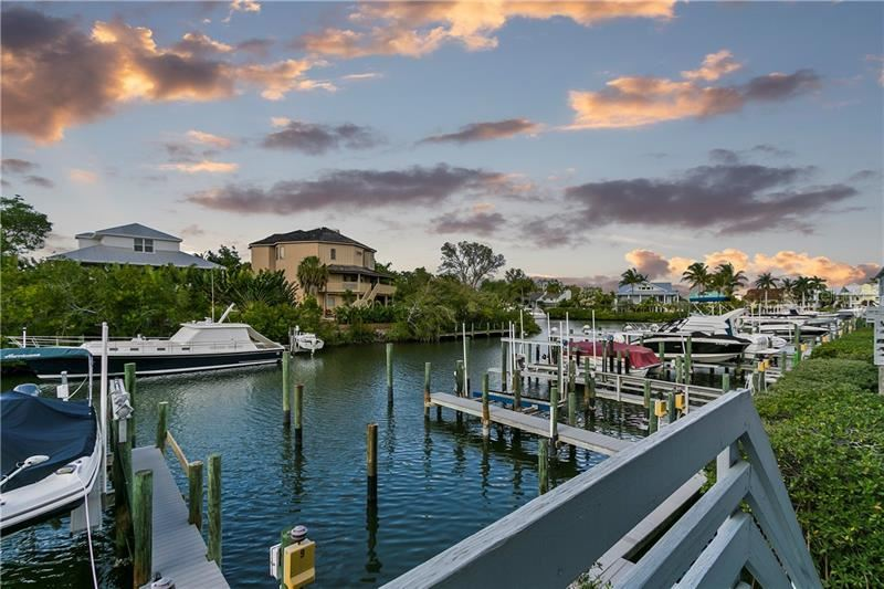 Photo of 1257 DOCKSIDE PLACE #112, SARASOTA, FL 34242 (MLS # A4461495)