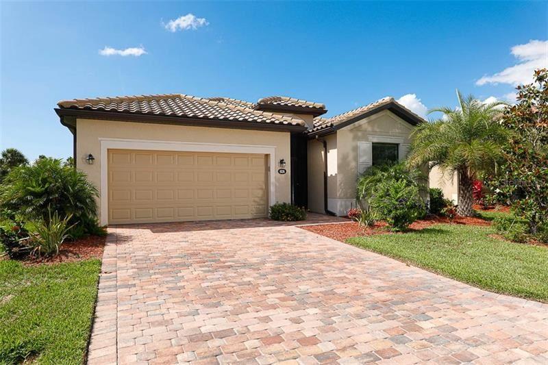 Photo of 6536 WILLOWSHIRE WAY, BRADENTON, FL 34212 (MLS # A4467495)