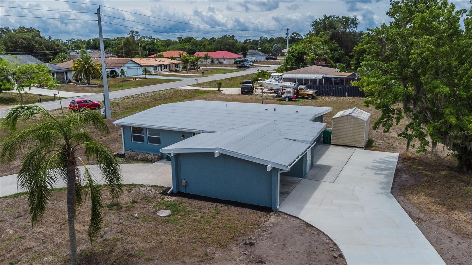 Photo of 979 VICTORIA AVENUE, PORT CHARLOTTE, FL 33948 (MLS # C7444499)
