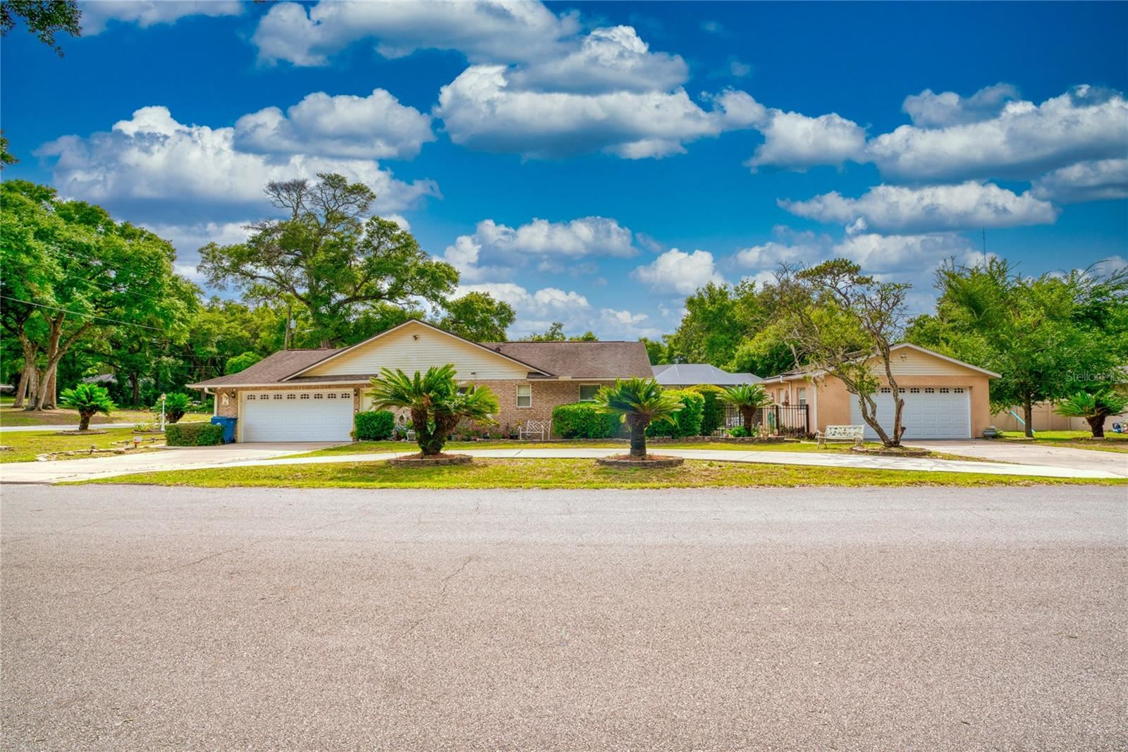 137 W GARDENIA DRIVE, Orange City, FL 32763 - #: V4919507