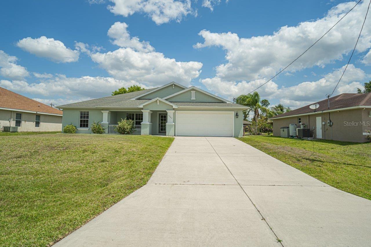 1527 NE 34TH STREET, Cape Coral, FL 33909 - #: U8136509