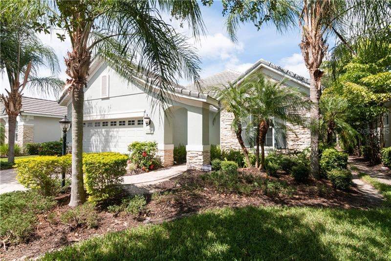Photo of 12228 THORNHILL COURT, LAKEWOOD RANCH, FL 34202 (MLS # A4470511)