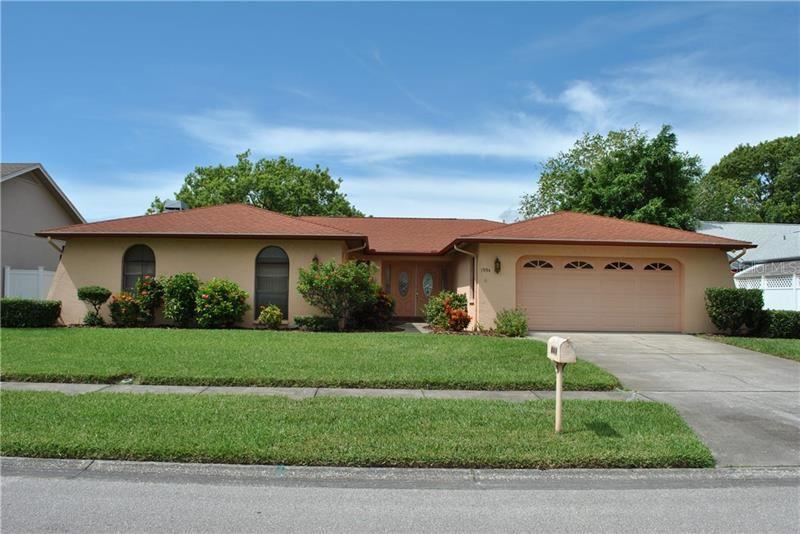 1994 HIDDEN LAKE DRIVE, Palm Harbor, FL 34683 - #: U8094513