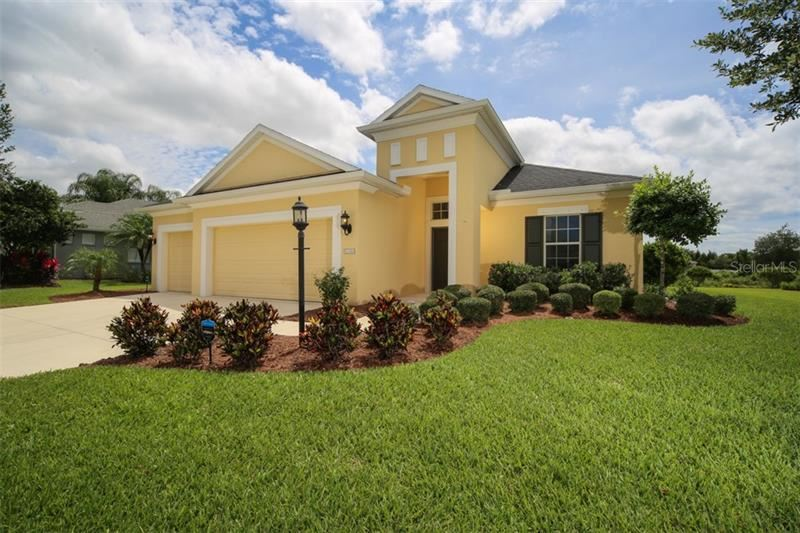 Photo of 1536 HICKORY VIEW CIRCLE, PARRISH, FL 34219 (MLS # A4467517)