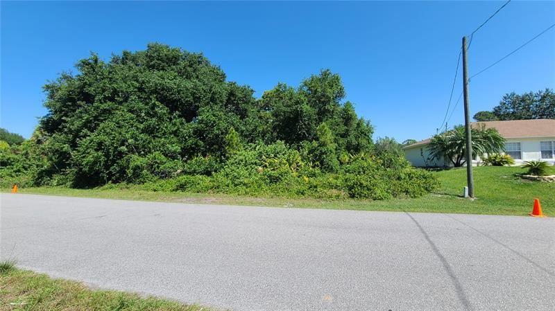 Photo of LOT 19 STARVIEW AVENUE, NORTH PORT, FL 34288 (MLS # T3303518)