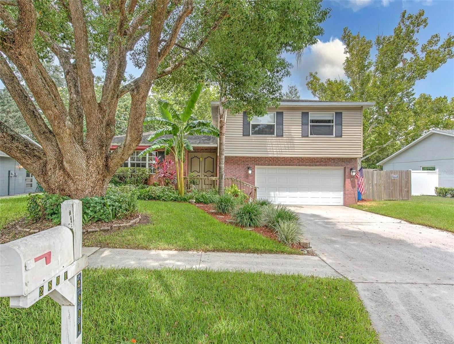 Photo of 2801 LINDEN TREE STREET, SEFFNER, FL 33584 (MLS # T3319520)