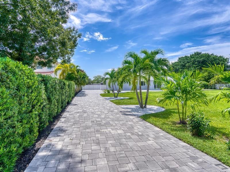 Photo of 4803 RIVERVIEW BOULEVARD, BRADENTON, FL 34209 (MLS # A4478525)