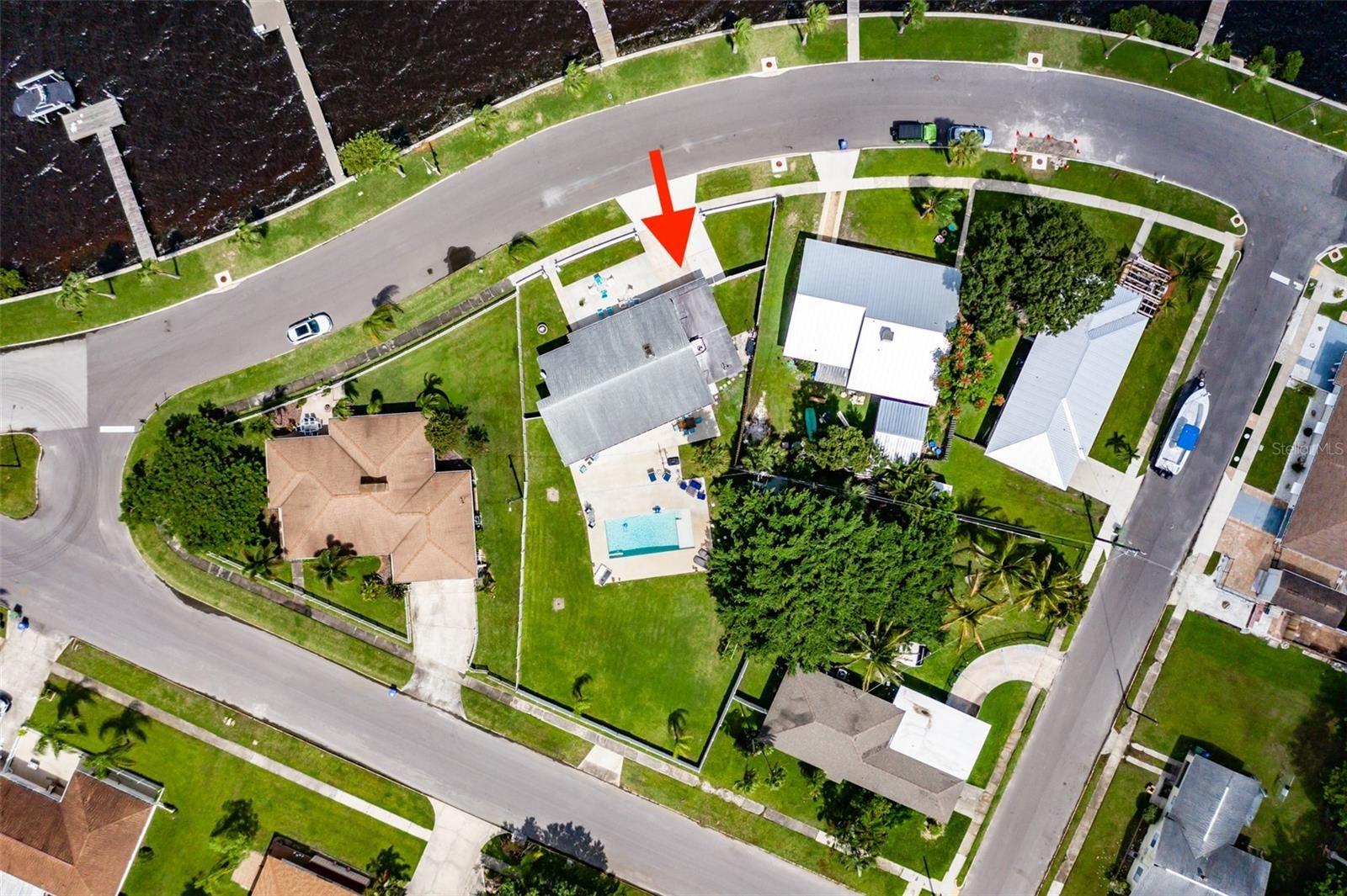 Photo of 1830 RIVERSIDE DRIVE E, BRADENTON, FL 34208 (MLS # U8136529)