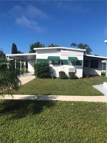 Photo of 1100 UNIVERSITY PARKWAY #17, SARASOTA, FL 34234 (MLS # A4481533)