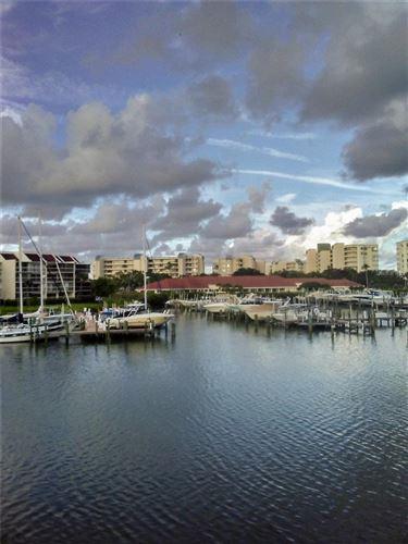 Photo of 7600 SUN ISLAND DRIVE S #207, SOUTH PASADENA, FL 33707 (MLS # O5978535)