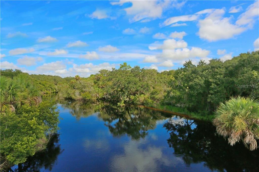 Photo of S MOON DRIVE, VENICE, FL 34292 (MLS # N6103539)