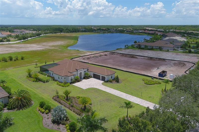 Photo of 8480 LINDRICK LANE, BRADENTON, FL 34202 (MLS # A4473545)
