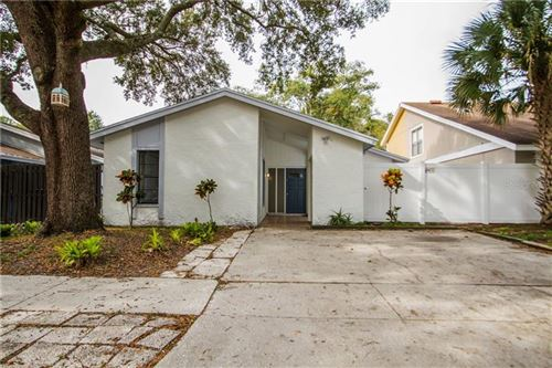 Photo of 10512 WEEPING WILLOW PLACE, TAMPA, FL 33624 (MLS # T3213546)