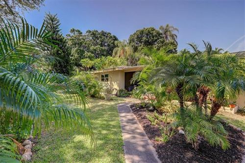 Photo of 908 PONCE DE LEON BOULEVARD, BELLEAIR, FL 33756 (MLS # U8060546)