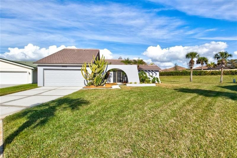 3982 KINGSTON DRIVE, Sarasota, FL 34238 - #: A4491550