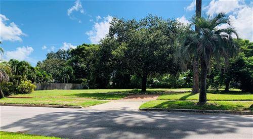 Photo of 817 RIVIERA STREET, VENICE, FL 34285 (MLS # G5045552)