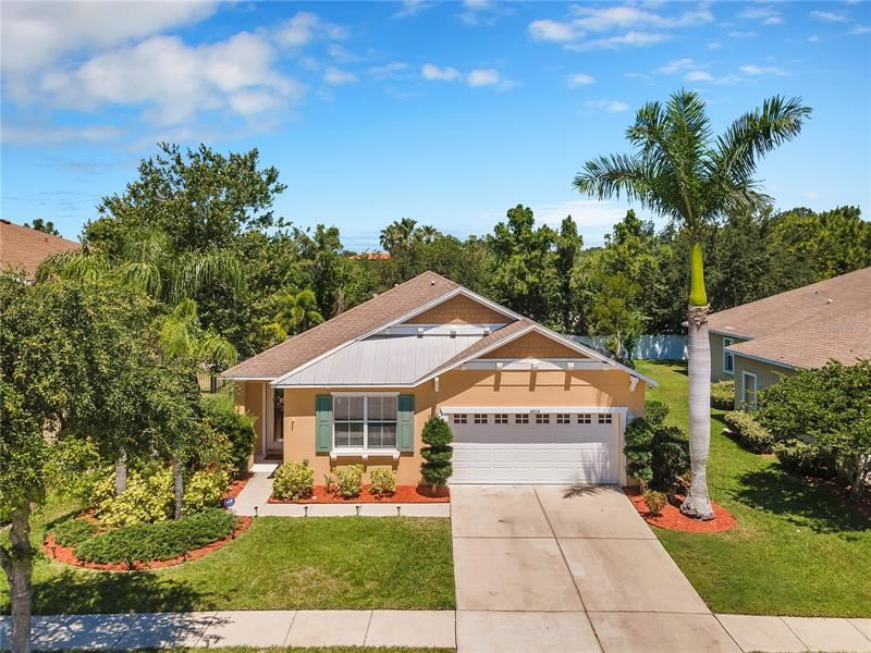 Photo of 5404 HAMMOCK VIEW LANE, APOLLO BEACH, FL 33572 (MLS # T3305552)