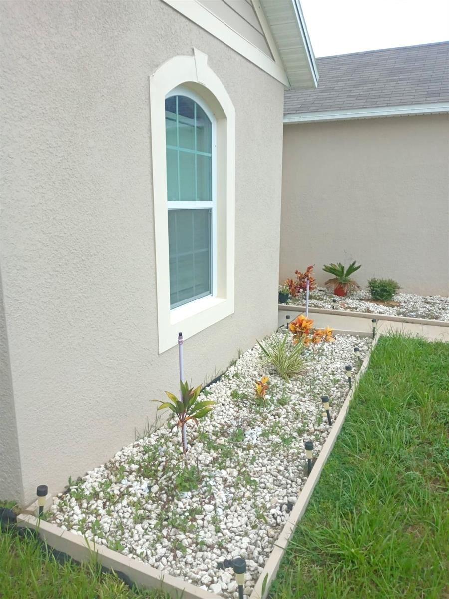 Photo of 137 SUNNY DAY WAY, DAVENPORT, FL 33897 (MLS # O5975553)