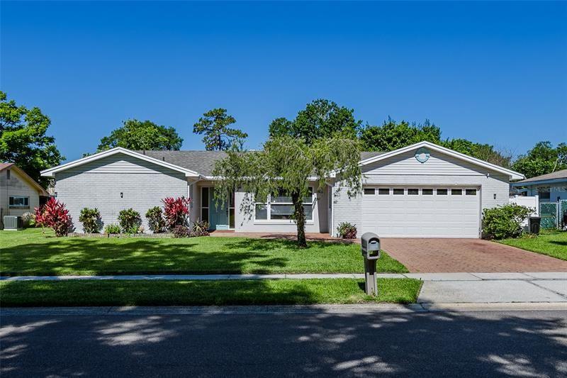 Photo of 608 PRAIRIE LANE, ALTAMONTE SPRINGS, FL 32714 (MLS # O5942554)