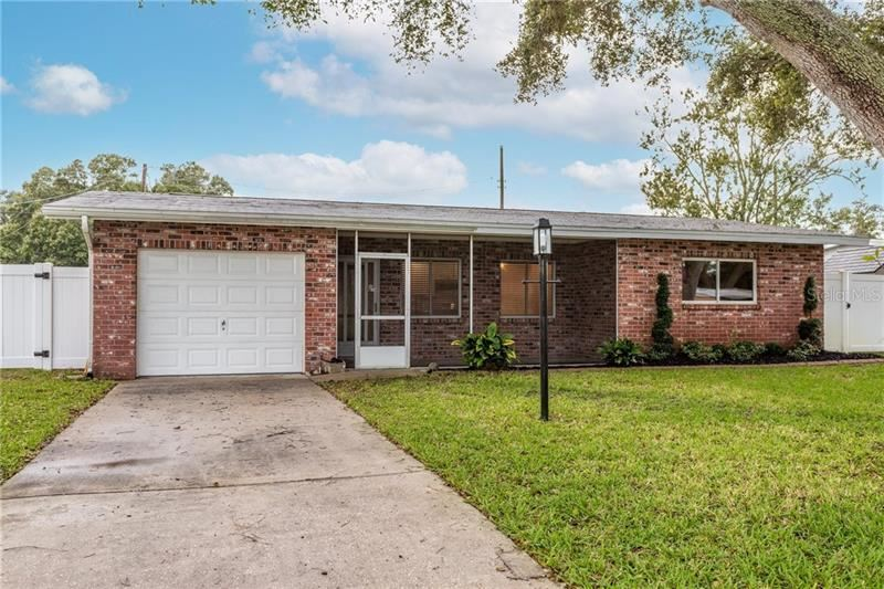 10834 109TH LANE, Seminole, FL 33778 - #: U8104556